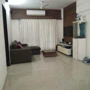 Gallery Cover Image of 800 Sq.ft 2 BHK Apartment for buy in Rustomjee Regency, Borivali West for 18000000