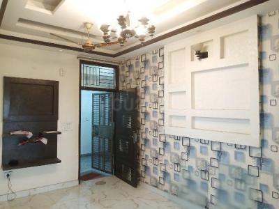 Gallery Cover Image of 900 Sq.ft 2 BHK Independent Floor for rent in UTS Gyan Khand 1, Gyan Khand for 12000
