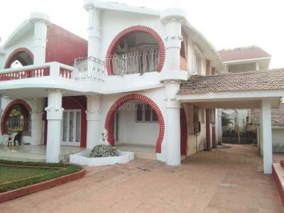 Gallery Cover Image of 11000 Sq.ft 6 BHK Villa for buy in Chochi for 50000000