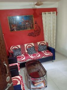 Gallery Cover Image of 700 Sq.ft 2 BHK Apartment for buy in Vashi for 8200000