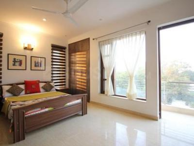 Gallery Cover Image of 12000 Sq.ft 6 BHK Villa for buy in Sector 44 for 99999999