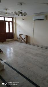 Gallery Cover Image of 2100 Sq.ft 3 BHK Independent Floor for buy in Defence Colony for 35000000