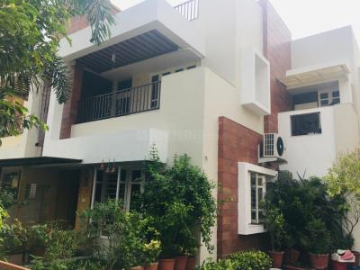 Gallery Cover Image of 2295 Sq.ft 3 BHK Independent House for buy in Thaltej for 36000000