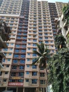 Gallery Cover Image of 1050 Sq.ft 2 BHK Apartment for buy in Raj Rudraksha, Dahisar East for 9345000