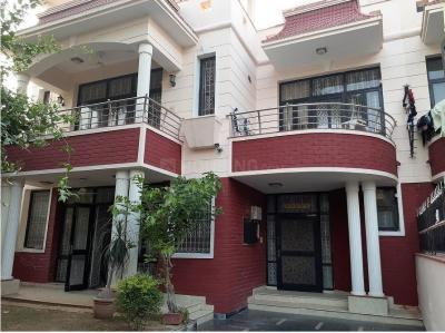 Gallery Cover Image of 4500 Sq.ft 4 BHK Villa for buy in Sushant Lok 3, Sector 57 for 32000000
