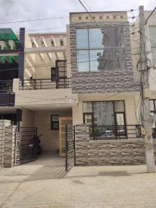 Gallery Cover Image of 900 Sq.ft 3 BHK Independent House for buy in Kharar for 4090000