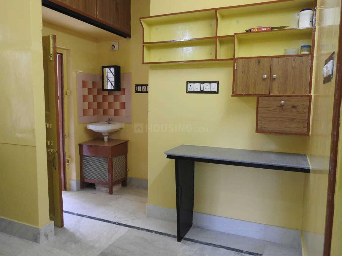Kitchen Image of 700 Sq.ft 1 BHK Independent Floor for rent in Purba Barisha for 7500