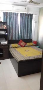 Gallery Cover Image of 950 Sq.ft 2 BHK Apartment for buy in Thane West for 13000000