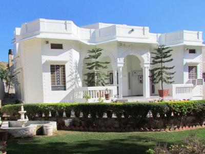 Gallery Cover Image of 3500 Sq.ft 7 BHK Villa for buy in Adarsh Nagar for 50000000