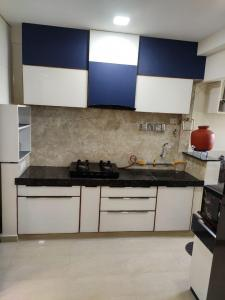 Gallery Cover Image of 1200 Sq.ft 3 BHK Apartment for rent in Satellite Tower, Vastrapur for 21000
