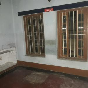 Gallery Cover Image of 500 Sq.ft 2 BHK Independent Floor for rent in Salkia for 6000