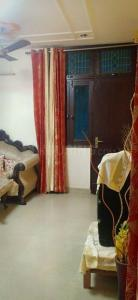 Gallery Cover Image of 1250 Sq.ft 2 BHK Apartment for rent in Shalimar Garden for 25000