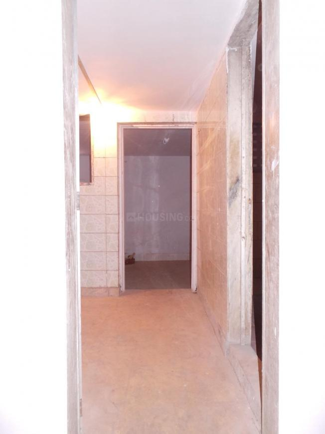 Passage Image of 600 Sq.ft 2 BHK Independent House for buy in Kandivali West for 16500000