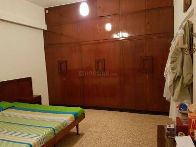 Gallery Cover Image of 900 Sq.ft 2 BHK Apartment for rent in Cumballa Hill for 157000
