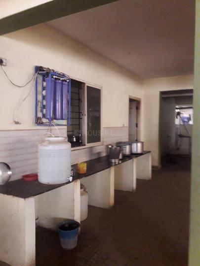 मुन्नेकोल्लाल में श्री लक्ष्मी नरसिम्हा पीजी में किचन की तस्वीर