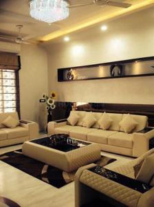 Gallery Cover Image of 1023 Sq.ft 2 BHK Apartment for buy in Malad East for 14500000