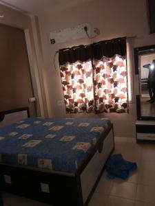 Gallery Cover Image of 850 Sq.ft 1 BHK Apartment for rent in Navrangpura for 13000