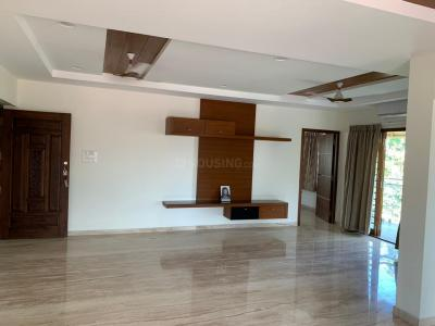 Gallery Cover Image of 2800 Sq.ft 3 BHK Independent Floor for rent in Santhome for 110000