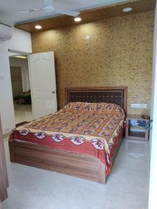 Gallery Cover Image of 1476 Sq.ft 2 BHK Apartment for buy in Annanagar East for 20700000