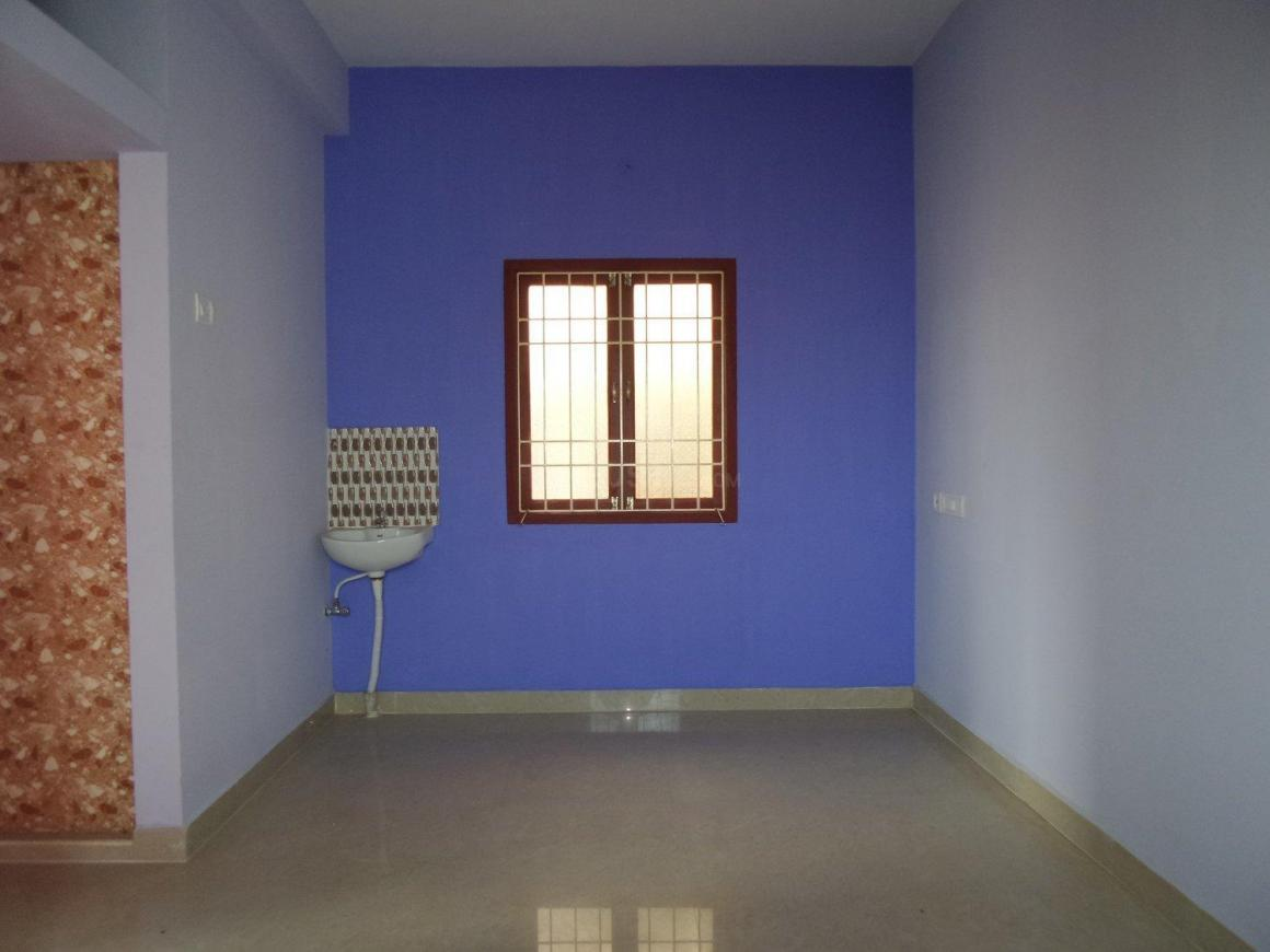 Living Room Image of 650 Sq.ft 1 BHK Apartment for buy in Surappattu for 2262000