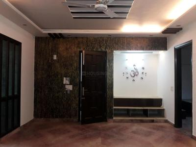 Gallery Cover Image of 3000 Sq.ft 4 BHK Independent Floor for rent in Mukherjee Nagar for 50000