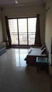 Gallery Cover Image of 620 Sq.ft 1 BHK Apartment for rent in Raheja Heights, Malad East for 35000