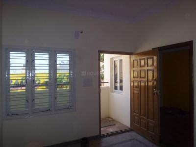 Gallery Cover Image of 425 Sq.ft 1 BHK Independent Floor for rent in Ragavendra Industrial Estate for 6000