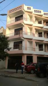 Gallery Cover Image of 1307 Sq.ft 2 BHK Apartment for buy in Gomti Nagar for 5350000