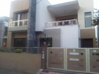 Gallery Cover Image of 884 Sq.ft 1 BHK Independent Floor for rent in Sector 17 for 15500