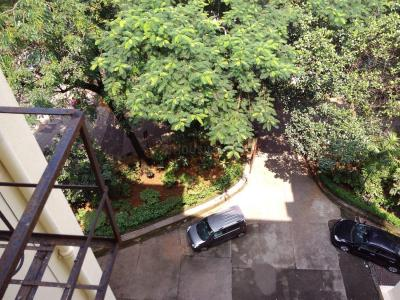 Gallery Cover Image of 1200 Sq.ft 2 BHK Apartment for buy in Bandra West for 60000000