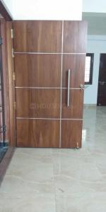 Gallery Cover Image of 1300 Sq.ft 3 BHK Apartment for rent in Sembakkam for 17000
