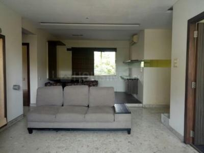 Gallery Cover Image of 1800 Sq.ft 3 BHK Apartment for rent in Govandi for 95000