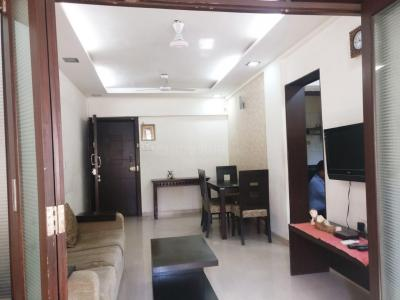Gallery Cover Image of 900 Sq.ft 1 BHK Apartment for rent in Khar West for 60000