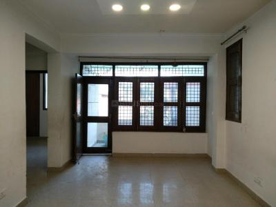Gallery Cover Image of 900 Sq.ft 2 BHK Apartment for buy in Vasant Kunj for 21000000