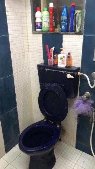 बांद्रा वेस्ट में इंडिपेंडेंट एंड शेयरिंग रूम्स के बाथरूम की तस्वीर