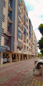 Gallery Cover Image of 1700 Sq.ft 3 BHK Apartment for buy in Chinarr Sapphire, Gulmohar Colony for 4200000