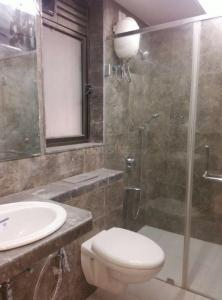 Gallery Cover Image of 850 Sq.ft 1 BHK Apartment for rent in Powai for 38000