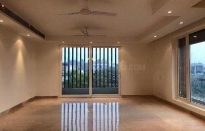 Gallery Cover Image of 2000 Sq.ft 3 BHK Independent Floor for buy in Sarvapriya Vihar for 40000000