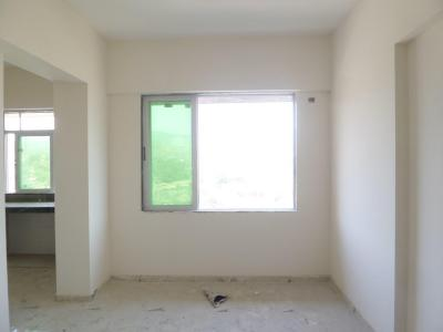 Gallery Cover Image of 450 Sq.ft 1 BHK Apartment for rent in Malad East for 25000