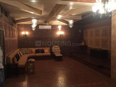Gallery Cover Image of 3600 Sq.ft 4 BHK Villa for rent in Juhu for 375000