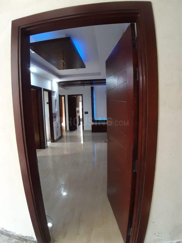 Main Entrance Image of 1275 Sq.ft 2 BHK Apartment for rent in Sector 76 for 18000