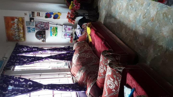 निमता में पीजी फॉर गर्ल्स में लिविंग रूम की तस्वीर