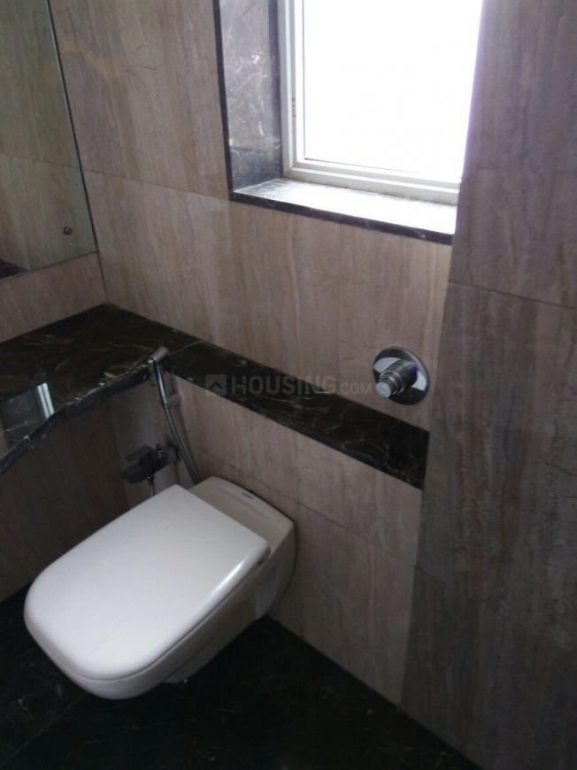 Common Bathroom Image of 1200 Sq.ft 2 BHK Apartment for rent in Jogeshwari East for 48000