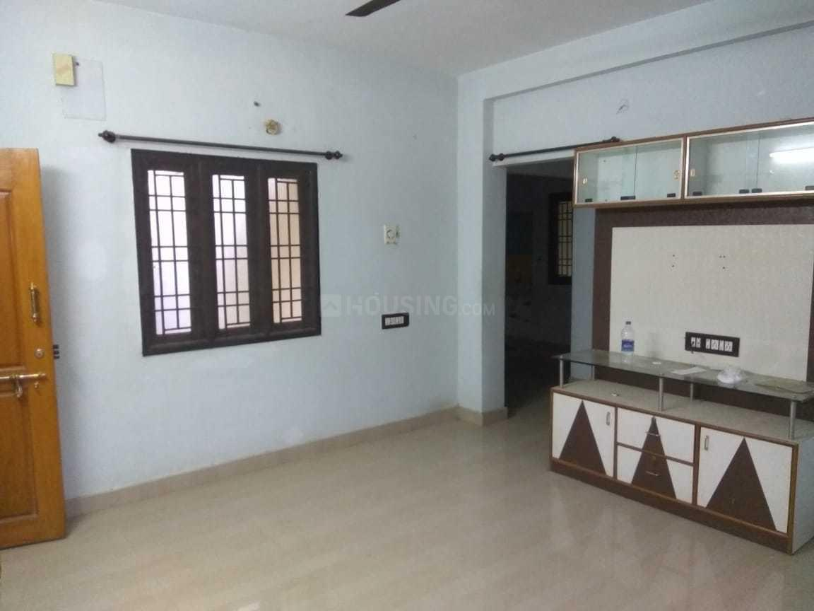 Living Room Image of 1200 Sq.ft 2 BHK Apartment for rent in Thirumullaivoyal for 10000
