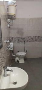 Common Bathroom Image of Aerocity in Sector 7 Dwarka