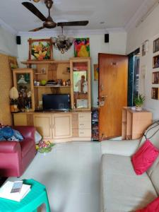 Gallery Cover Image of 650 Sq.ft 1 BHK Apartment for rent in Kherwadi, Andheri West for 28000