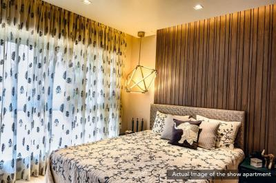 Gallery Cover Image of 1175 Sq.ft 3 BHK Apartment for buy in Evershine Crown, Kandivali East for 22500000