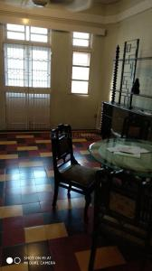 Gallery Cover Image of 500 Sq.ft 1 BHK Apartment for buy in Colaba for 14000000