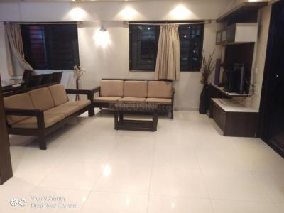 Gallery Cover Image of 1400 Sq.ft 3 BHK Apartment for rent in Sylvania Apartments, Magarpatta City for 41000