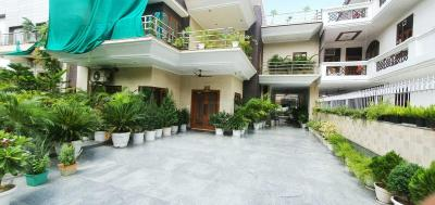 Gallery Cover Image of 7650 Sq.ft 5 BHK Independent House for buy in Sector 15 for 70000000